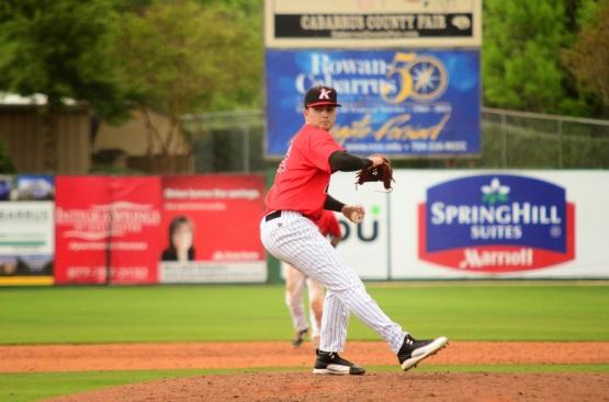 Jordan Guerrero pitching